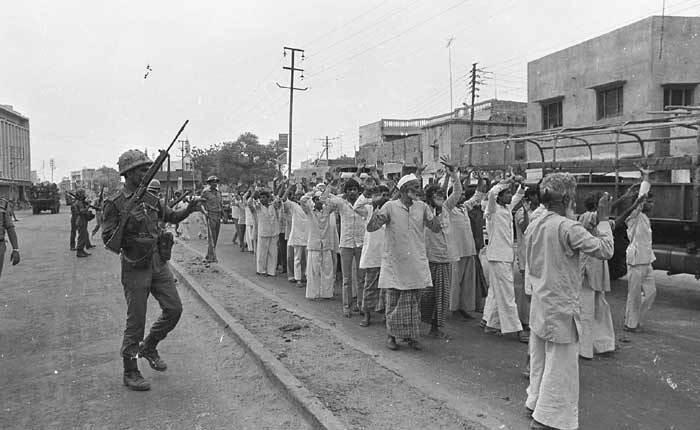 ویڈیو : ہاشم پورہ قتل عام کی کہانی، پولیس آفیسر وی این رائے کی زبانی