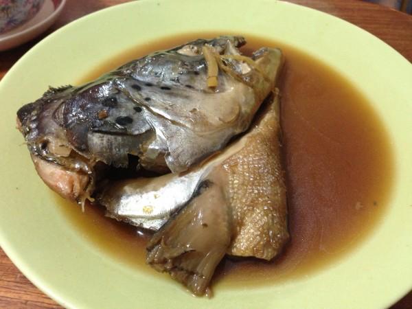 หัวปลาแซลมอนต้มซีอิ๊ว ก็รวมในบุฟเฟต์ สั่งได้