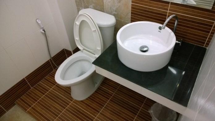 ห้องน้ำแบบธรรมดา