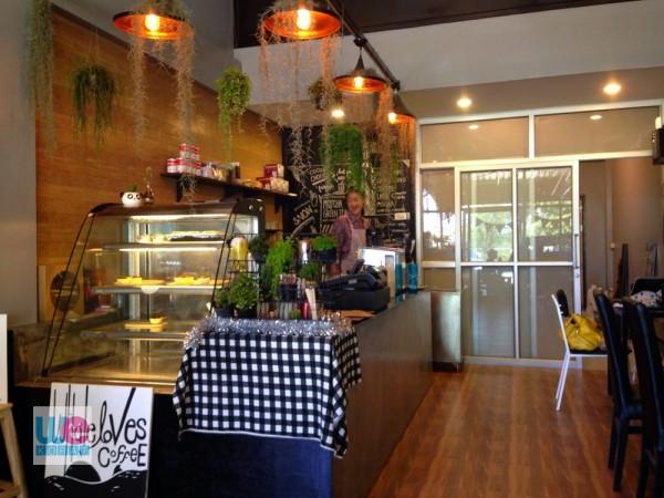 ร้าน Lee's Cafe