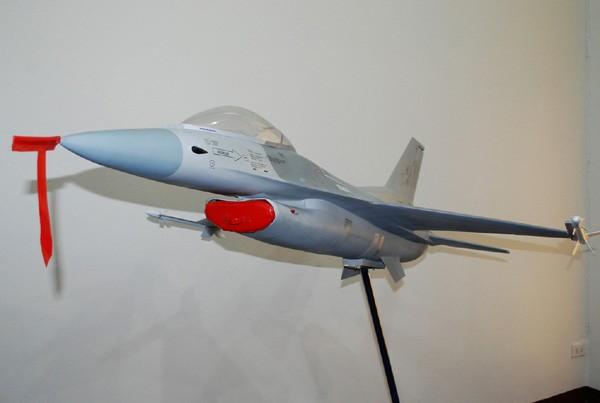 โมเดลเครื่องบิน F-16 A