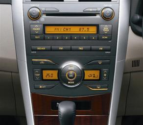 Toyota Corolla Altis (2010) - 73 Audio & Air Conditioner