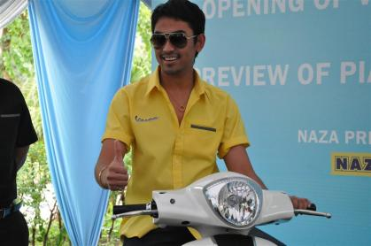 Piaggio Liberty 150cc Launch at New Vespa Showroom - 08