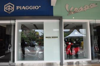 Piaggio Liberty 150cc Launch at New Vespa Showroom - 12