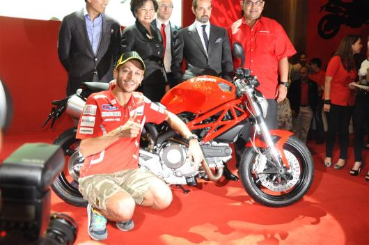 Ducati-Monster-795-Launch-087-Valentino-Rossi