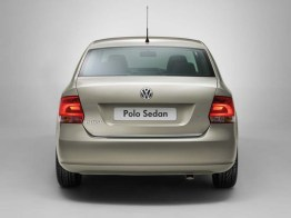 Volkswagen Polo Sedan - 03