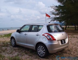 2013 Suzuki Swift 025