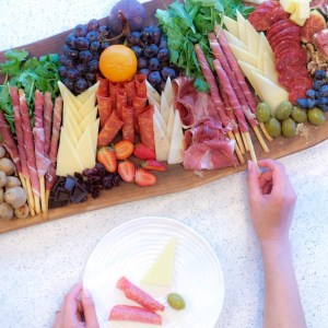 5 Tips for an Amazing Cheese & Charcuterie Platter