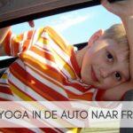 Kinderyoga in de auto naar Frankrijk