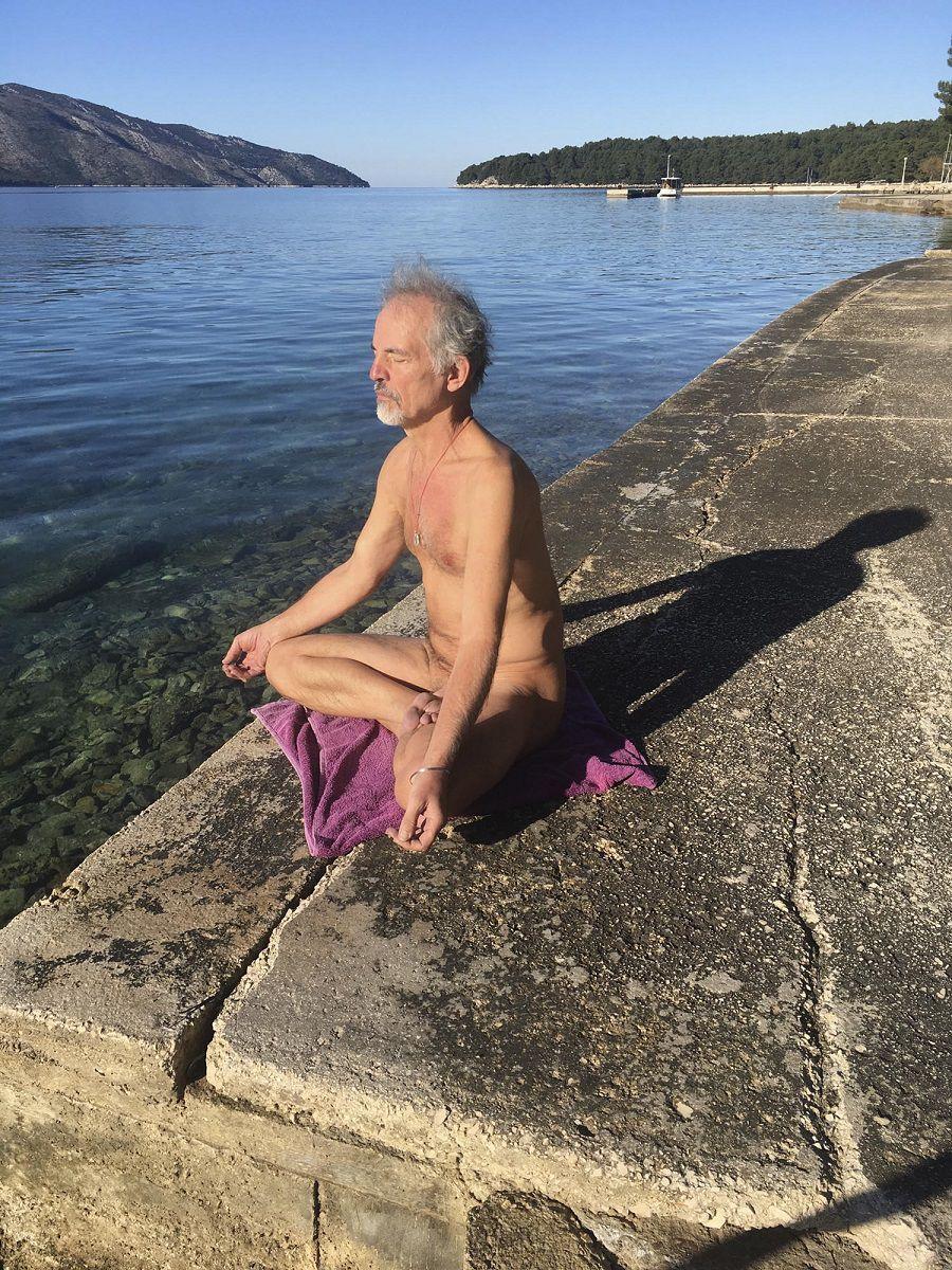 gregor-erjavec-meditation-stari-grad-hvar-island-medland-project