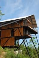 superb-wooden-three-leveled-bungalow-in-sri-lanka-7-900x1345