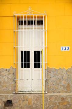 beautiful-colors-and-geometry-of-the-cuban-architecture-16-900x1350
