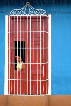 beautiful-colors-and-geometry-of-the-cuban-architecture-4-900x1350