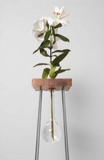 Design_Table_For_A_Flower_VJEMY_1-e1488388996233
