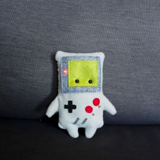 057100-gameboy-with-red-led-power-indicator-lg
