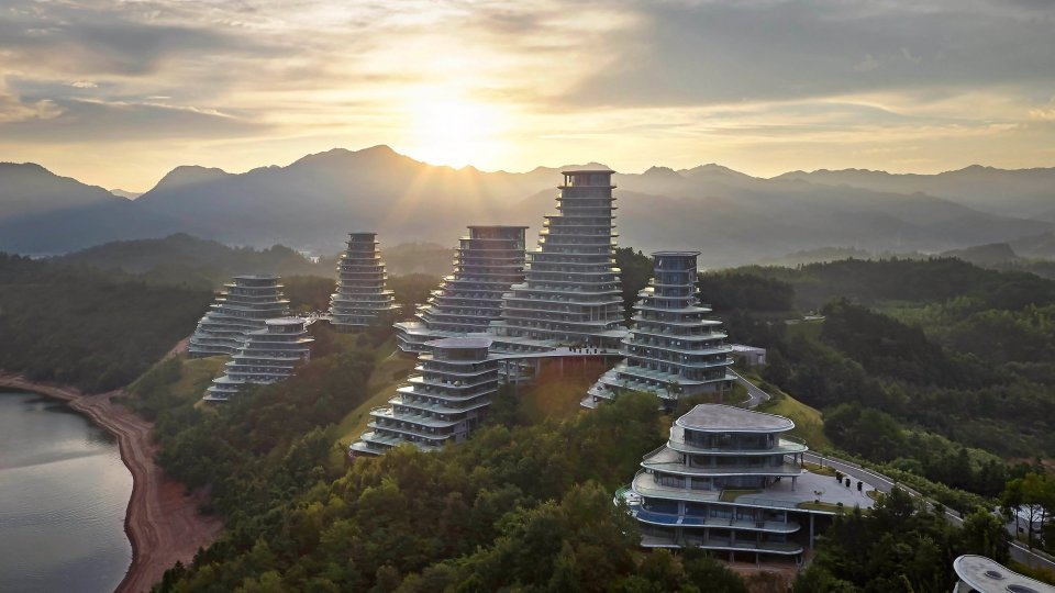 HUANGSHAN MOUNTAIN VILLAGE by HUFTON + CROW