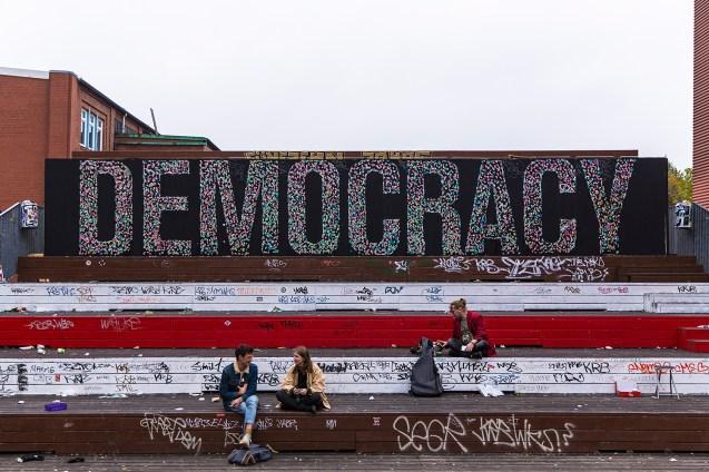 SpY-DEMOCRACY-Hamburg-00