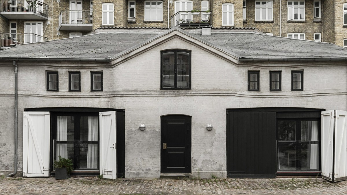 THE STABLE HOUSE_ Frama