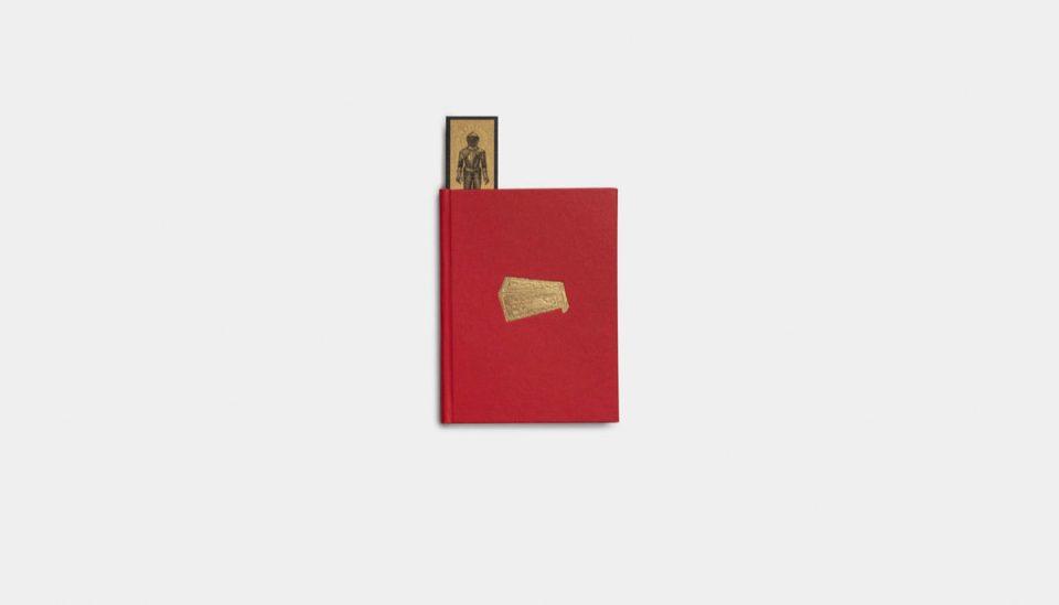 libro chiuso, parte del catalogo mostra fondazione prada