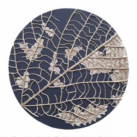 n°12, 2019 - spago, lino e acrilico su tela - 30 x 30 cm