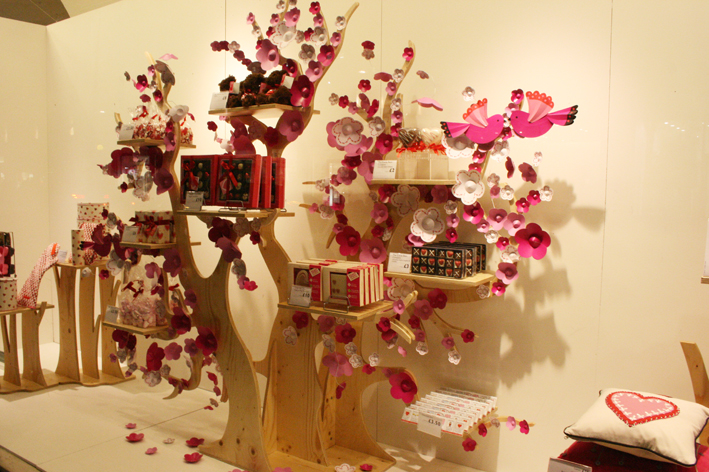 Visual Merchandising With Stephen Dempsey Appear Here