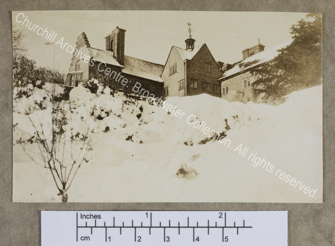 Photograph of Chartwell [Kent] from below