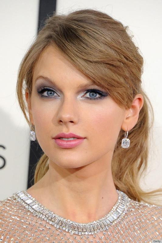 Make up occhi azzurri e capelli biondi