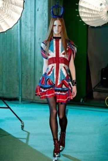 ClioMakeUp-trucco-anni-90-novanta-stile-moda-jean-paul-gaultier-2014
