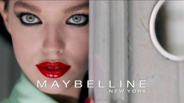 cliomakeup-emily-didonato-beauty-look-occhi-azzurri-trucchi-makeup-maybelline-2