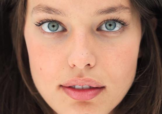 cliomakeup-emily-didonato-beauty-look-occhi-azzurri-trucchi-makeup-28-pelle