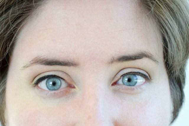 ClioMakeUp-tightline-matita-nera-rima-interna-superiore-eyeliner-star-10