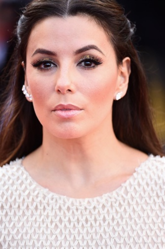 ClioMakeUp-Cannes-2016-red-carpet-beauty-look-primi-giorni-star-vip-eva-longoria-3
