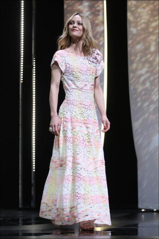 ClioMakeUp-Cannes-2016-red-carpet-beauty-look-primi-giorni-star-vip-vanessa-paradis-5