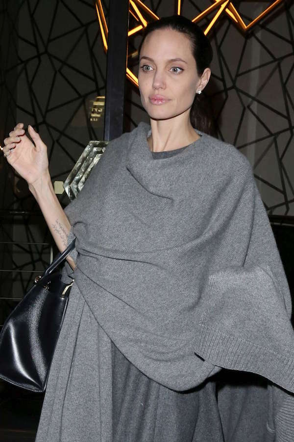 ClioMakeUp-angelina-jolie-magra-2-anoressia