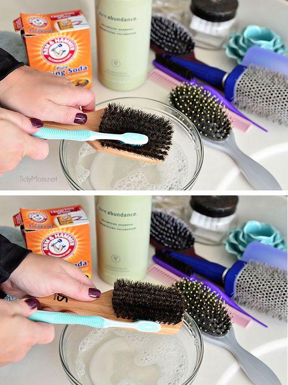 ClioMakeUp-spazzola-per-capelli-17-pulizia-spazzola