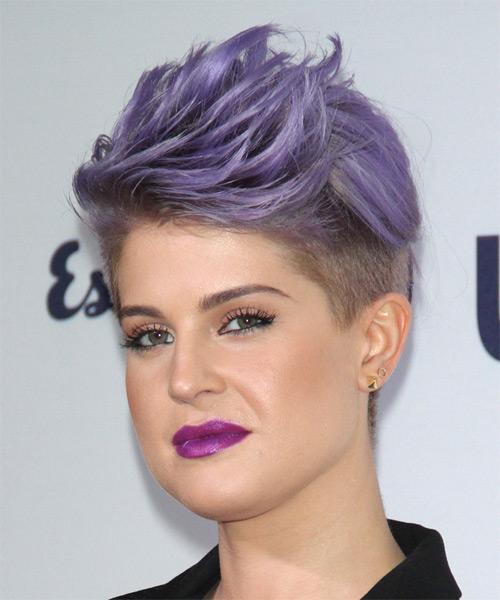 cliomakeup-capelli-colorati-tinte-pazze-abbinamenti-trucco-viola-kelly-osbourne