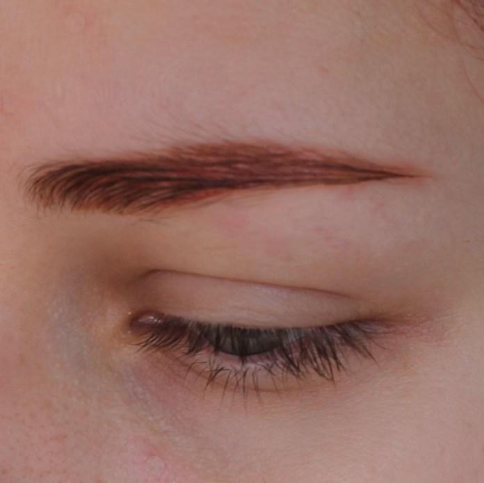 cliomakeup-mini-recensione-Eyebrow-Fixing-Gel-Essence-5