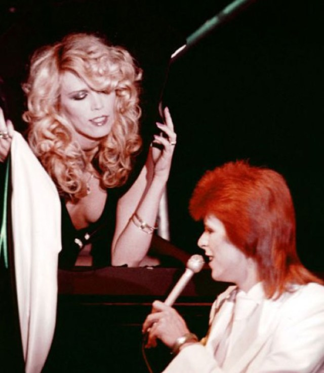 cliomakeup-personaggi-tv-look-iconici-amanda-lear-david-bowie