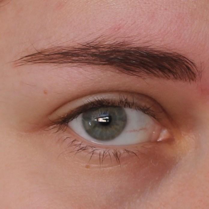 cliomakeup-recensione-little-eyebrow-monster-essence-11