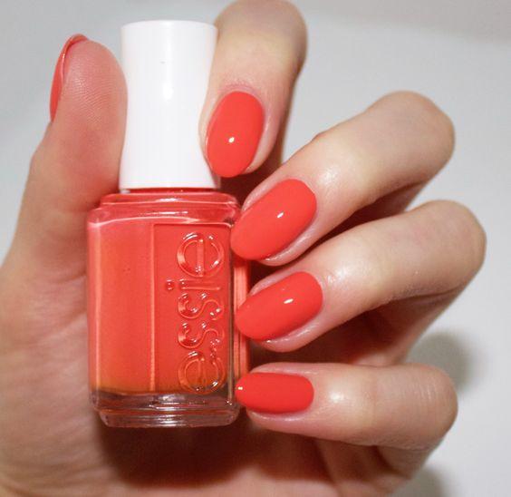 cliomakeup-unghie-rosse-estive-4-essie