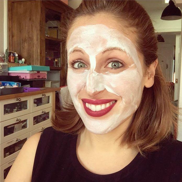ClioMakeUp-beauty-routine-spiaggia-3-maschera-notte