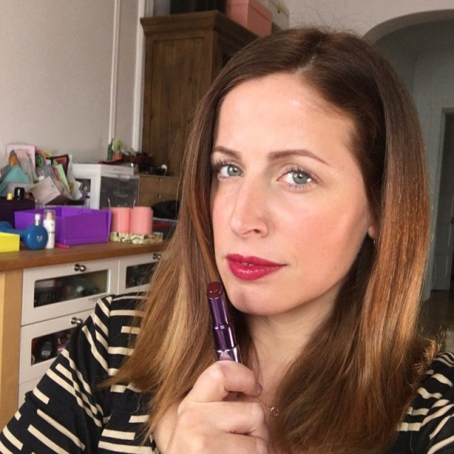 cliomakeup-matite-labbra-colorate-trasparenti-quando-usarle-clio-rossetto-sheer