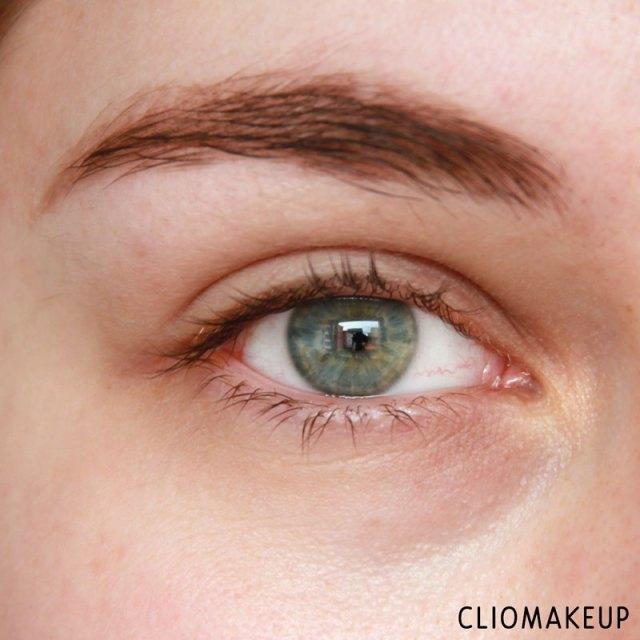 cliomakeup-recensione-forbidden-volume-false-lash-mascara-top-coat-essence-7