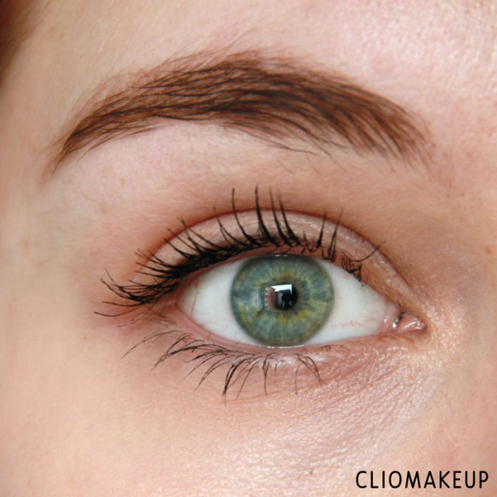 cliomakeup-recensione-forbidden-volume-false-lash-mascara-top-coat-essence-9