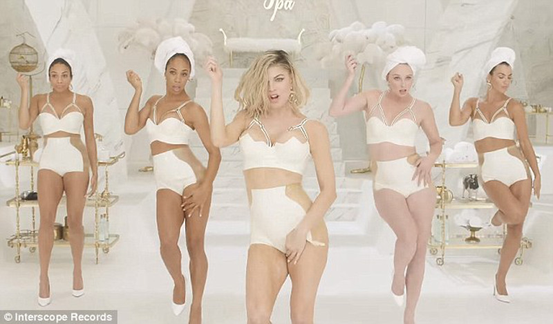 ClioMakeUp-MILF$-Fergie (17)