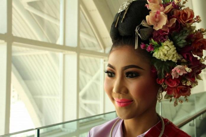 ClioMakeUp-Makeup-nel-mondo-thailandia (2)
