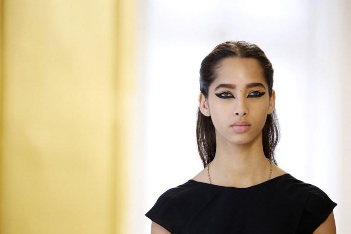 ClioMakeUp-alta-moda-Parigi-cat-eye-Dior-modelle-trucco-beauty-look-eye-liner-modelle-runway9