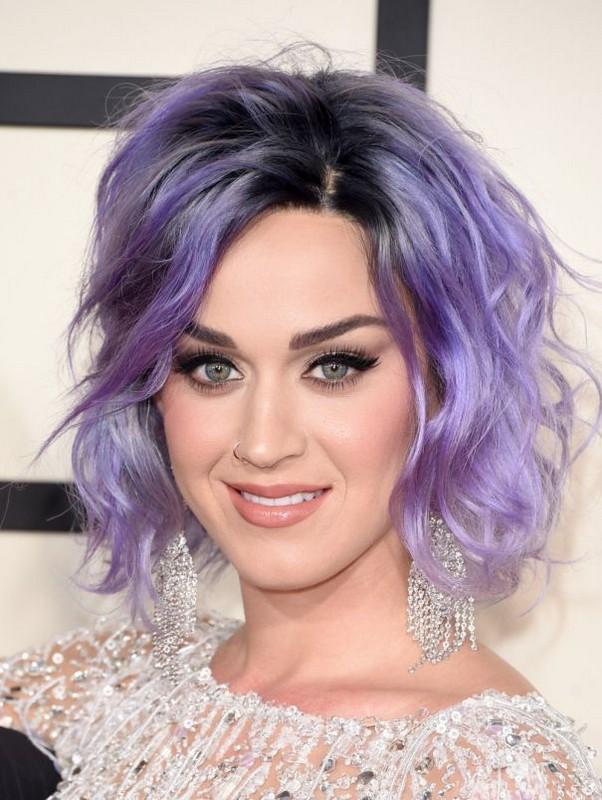 ClioMakeUp-capelli-colorati-tinte-pazze-estate-arcobaleno-katy-perry-lilla