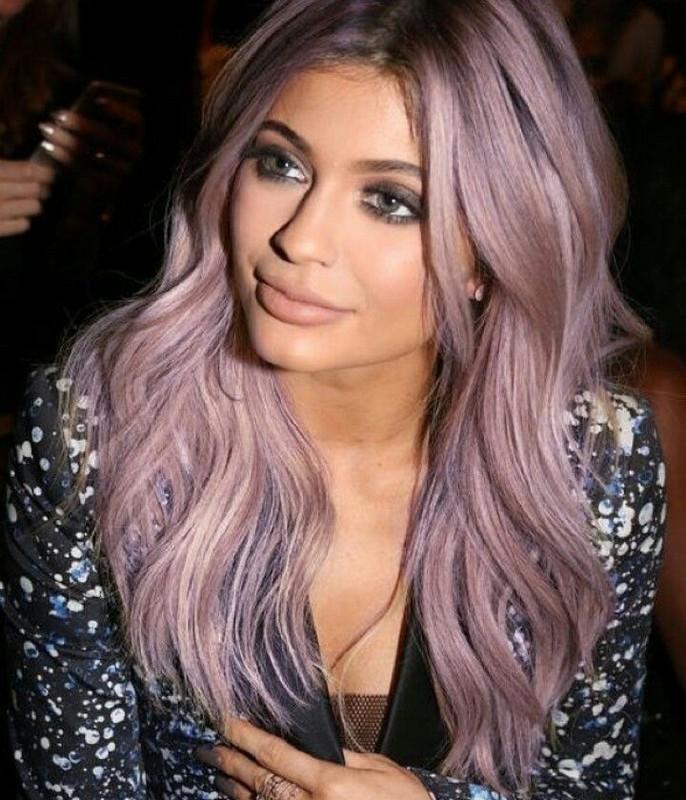 ClioMakeUp-capelli-colorati-tinte-pazze-estate-arcobaleno-kylie-jenner-lilla