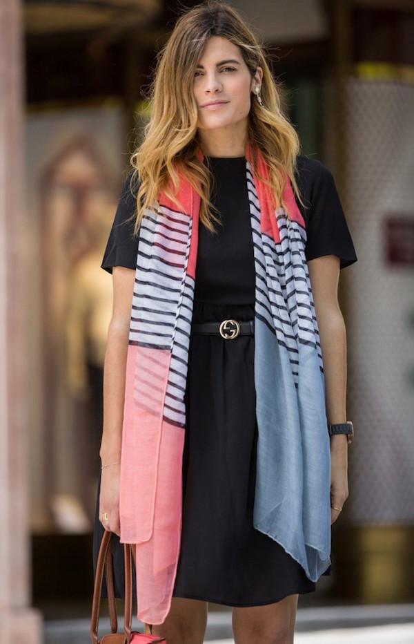 d062d9a141df Tante idee su come indossare il foulard in estate